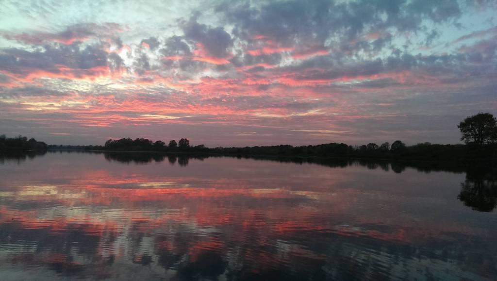 Красивый закат в Бармино
